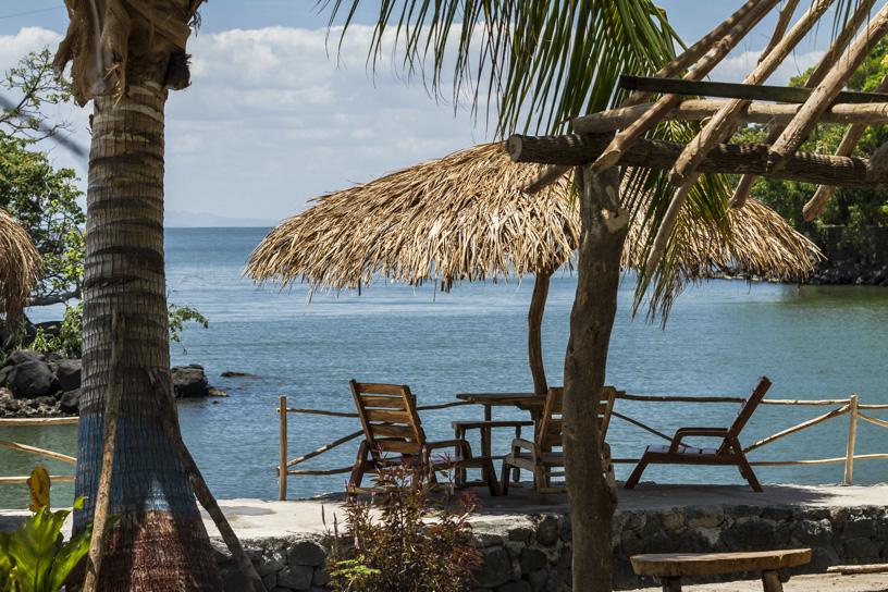 Isletas en comunidad indígena. Granada, Nicaragua