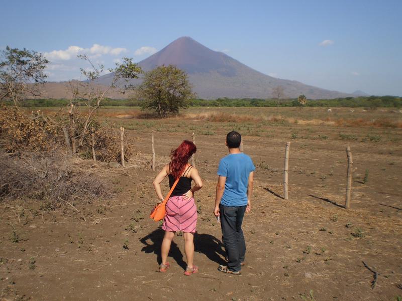 volcán-momotombo-león-nicaragua-turismo-viajeros-mochileros